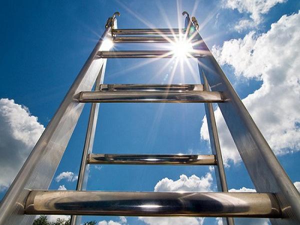 Mơ thấy cái thang điềm gì?