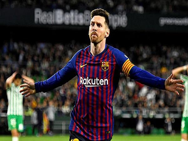 Messi vượt Ibrahimovic về bàn thắng đẹp của mùa giải