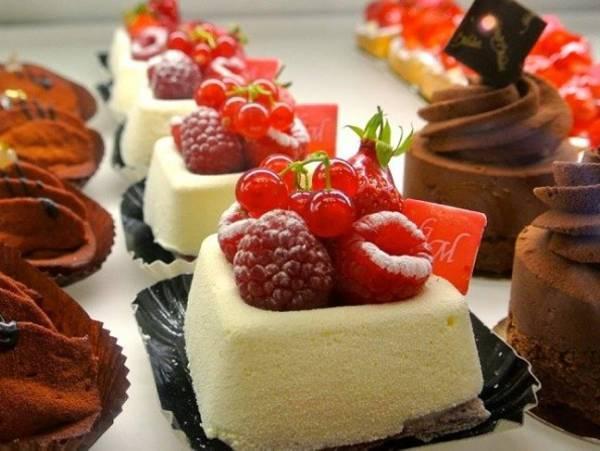 Mơ thấy bánh ngọt là điềm gì, thử vận may với con số nào?