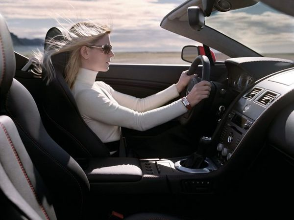 Nằm mơ thấy lái ô tô đánh con gì, là điềm báo đen hay đỏ?