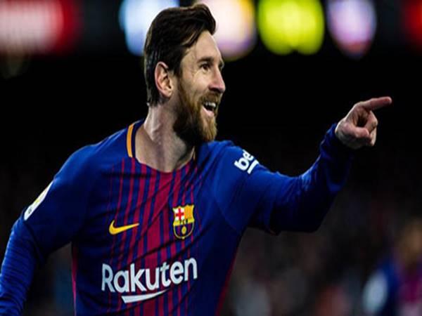 Messi chỉ còn cách kỷ lục của Pele 1 bàn thắng