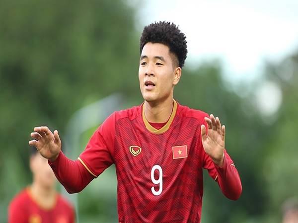 Tiểu sử Đức Chinh - Chàng trai nghèo đam mê bóng đá
